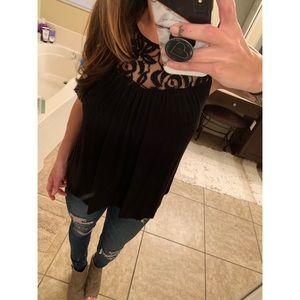 Tops - Sleeveless shirt